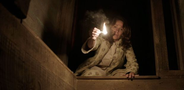 349602-the-conjuring-lili-taylor-620x0-2