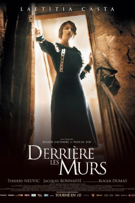 """Affiche du film """"Derrière Les Murs"""""""