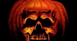 """Affiche du film """"Halloween 2 - Le cauchemar n'est pas fini"""""""