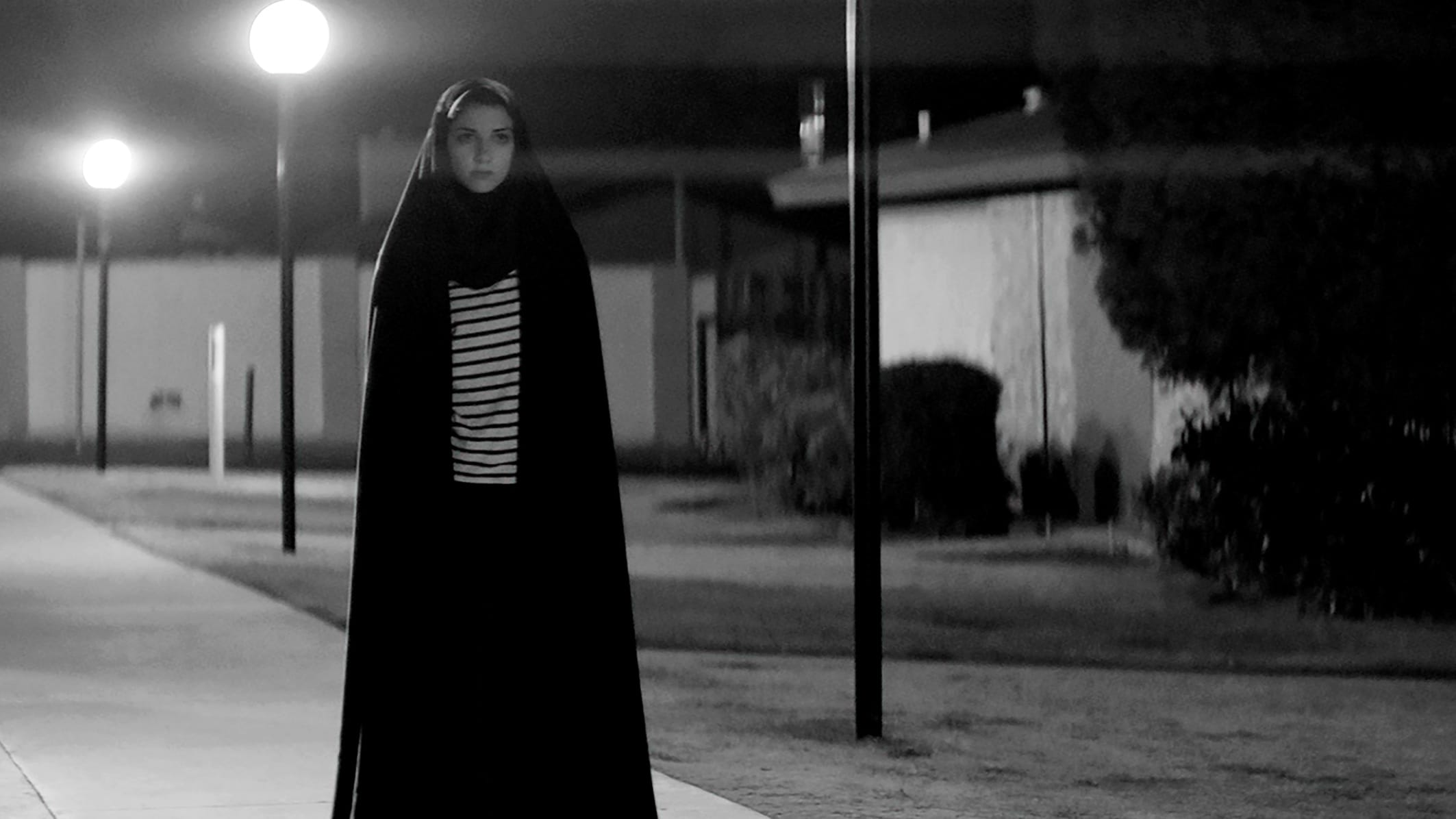 "Image du film ""A Girl Walks Home Alone at Night"""