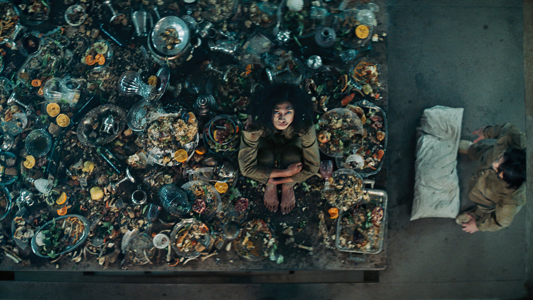 "Image du film ""La Plateforme"""